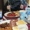 풀세팅된 영국식 아침식사.jpg
