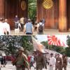 8월 15일 야스쿠니 신사에서 군복입고 참배하는 인간들.jpg